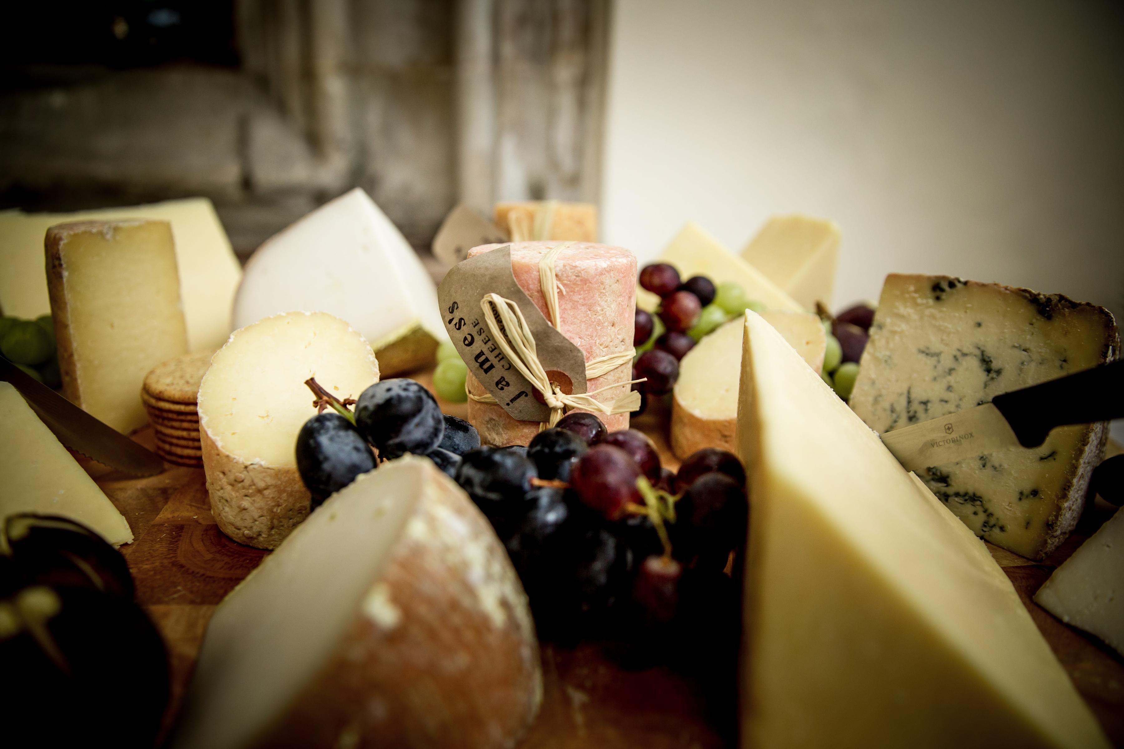 MandW - cheese